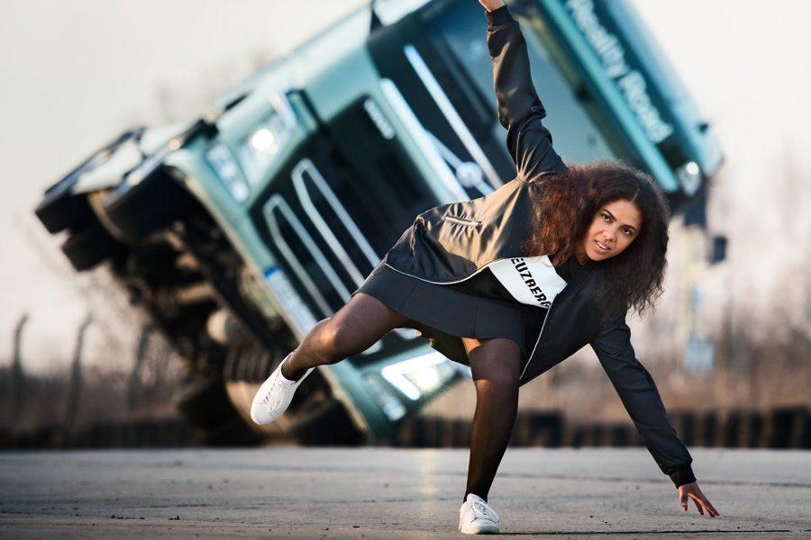 Η Volvo Trucks υποδέχεται την Mapei