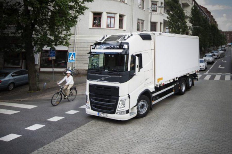 Η Έκθεση Ασφάλειας 2017 της Volvo Trucks επικεντρώνεται στους ευάλωτους χρήστες των δρόμων